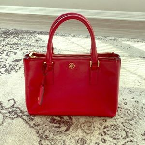 Absolutely Gorgeous Red Tory Burch Bag